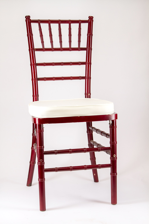 Chiavari Chair With Ivory Cushion