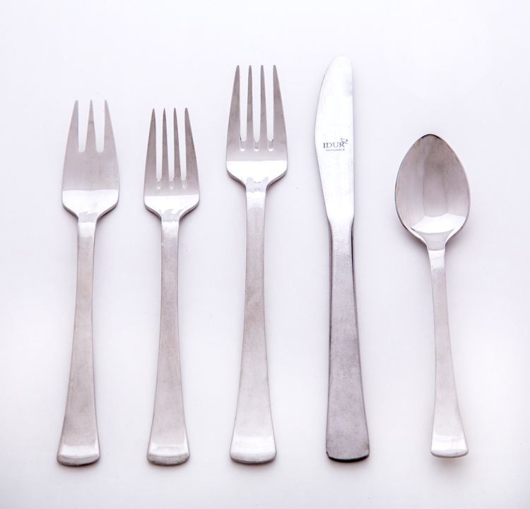 Taper Flatware Set